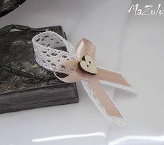 MaZulu / vintage svadobné pierko v odtieni latte Wedding Pins, Our Wedding, Wedding Flowers, Chabby Chic, Mothers Day Crafts, Rustic Wedding, Stencils, Diy And Crafts, Wedding Decorations