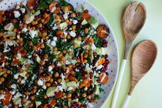 A delicious and satisfying winter salad that has kale, roasted sweet potatoes, avocado, pomegranates, garlicky chickpea croutons and feta cheese. It's dressed with a creamy lemon tahini dressing. Lemon Tahini Dressing, Winter Salad, Create A Recipe, Roasted Sweet Potatoes, What To Cook, Meals For The Week, Tray Bakes, Kale, Feta