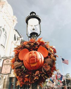 Life and style fresh from Florida. Disney World Halloween, Disneyland Halloween, Disneyland Paris, Halloween Season, Fall Halloween, Happy Halloween, Halloween Stuff, Scary Halloween, Halloween Makeup