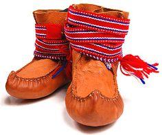 Suomen käsityön museo, Liisa Korhonen Tablet Weaving, Folk Costume, Leather Working, Ancestry, Footwear, Boots, Projects, How To Wear, Fashion