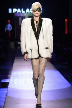 Jean Paul Gaultier Spring 2016 Couture Collection Photos - Vogue Jean Paul Gaultier, Paul Gaultier Spring, Vanity Fair, Couture Fashion, Runway Fashion, Paris Fashion, Fashion Week, Fashion Show, Fashion 2016