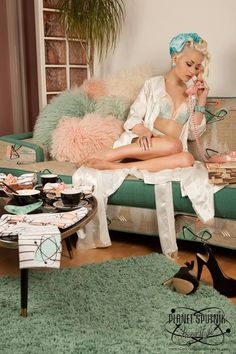Billy-Dolls Pinup girl in her living room #pinup