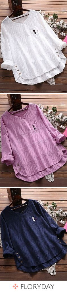 Animal V-neckline long sleeve blouses, casual, lovely. 60 Fashion, Fashion Dresses, Womens Fashion, Blouse Styles, Blouse Designs, Style Casual, My Style, Sewing Shirts, Sequin Party Dress
