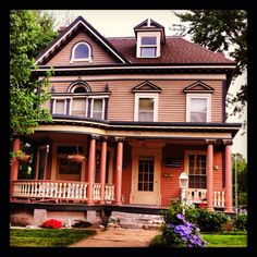 victorian homes in st. Amazing Architecture, Architecture Design, St Joseph Mo, St Joes, House Proud, Our Town, Second Empire, House Paint Exterior, Romanesque