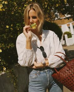 Uniqlo x Tomas Maier Blouse as seen on Lucy Williams Career Inspiration, Style Inspiration, Summer Minimalist, Fashion Me Now, Style Outfits, Fashion Outfits, Girly Outfits, Fashion Clothes, Trendy Outfits