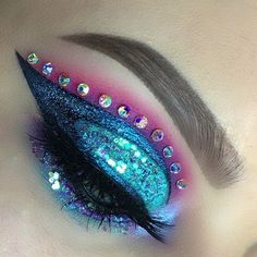 unicorn mermaid vibezzz ⚡️⚡️ • EYESHADOWS: @inglotireland shadows 34, 372, 320 • @narsisst coeur battant • @maccosmetics aqua, atlantic blue • @urbandecaycosmetics tonic  LASHES: @vegas_nay grand glamor lashes  BROWS: @anastasiabeverlyhills soft brown / taupe brow wiz  GLITTER: @fromniclove glitters  LINER: @inglotireland no. 77 gel liner  #hudabeauty #anastasiabeverlyhills #universodamaquiagem_oficial #mac #maccosmetics #glitter #maquiagem #hudabeauty #urbandecay #nyx #makeupartistsworld...