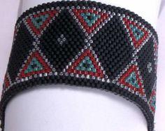 Peyote Stitch Bracelet Pattern - Bow Ties and Diamonds