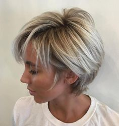 Long Blonde Balayage Pixie Short layered hair is good for work and even better for weekends! The short layers around the face gently caress the cheekbones and eyebrows keeping the style youthful… Short Hair With Layers, Short Hair Cuts For Women, Hair Layers, Thin Hair Styles For Women, Best Short Haircuts, Long Pixie Haircuts, 2018 Haircuts, Short Hairstyles For Thin Hair, Double Chin Hairstyles