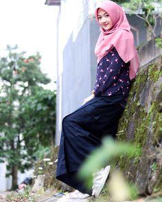 Hijab Niqab, Hijab Chic, Hijab Fashion, Fashion Beauty, Girl Hijab, Muslim Girls, Beautiful Hijab, Can't Sleep, Lady