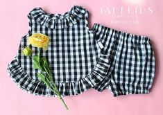 Best 11 Look at this Yellow Floral Top & Bloomers – Infant & Toddler on today – SkillOfKing. Baby Girl Dress Patterns, Baby Clothes Patterns, Cute Baby Clothes, Sewing Patterns, Baby Frocks Designs, Kids Frocks Design, Kids Dress Wear, Little Girl Dresses, Baby Girl Fashion
