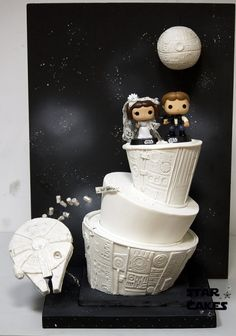 Star Wars Wedding Cake - Han Solo & Princess Leia with the Millennium Falcon