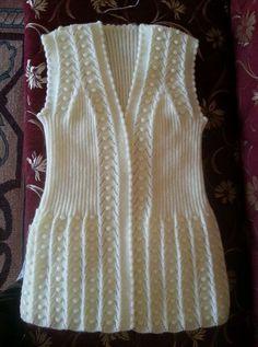 116 Grain Knitting Feminino Colete Modelos All Linda Tricô Colete Feminino Modelo 28 # Crochet Baby Jacket, Knit Baby Dress, Knitted Baby Clothes, Crochet Tunic, Baby Knitting Patterns, Knitting Designs, Pullover Design, Sweater Design, Girls Sweaters