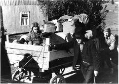 Evakkomatkalla. Karelians being evacuated.  WW2 (Winter War? It doesn't look like winter..so probably late Autumn before winter set in)