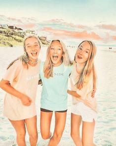 Best Friends Shoot, Best Friend Poses, Cute Friends, Cute Friend Pictures, Friend Photos, Cute Pictures, Bff Pics, Friendship Photoshoot, Tumblr Bff