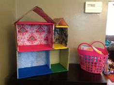 Homemade doll house for kids - made of just cardboard, felt and scrapbooking paper. Cardboard Dollhouse, Diy Cardboard, Scrapbook Paper, Scrapbooking, Homemade Dolls, Barbie, Doll Houses, Preschool, Lily