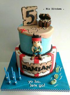 Dinosaur cake Cake by Layla A Dorty kreativ Pinterest