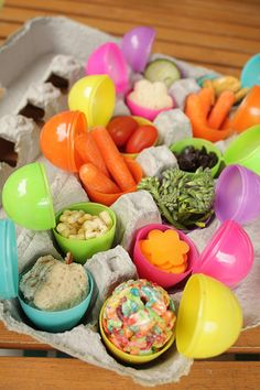 Easter Egg Popsicles & Look how cute the rice krispie treat in the egg is!  Good for school parties.