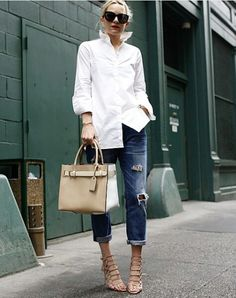 Crisp Button-Down + Boyfriend Jeans + Statement Heels 9 Outfit Formulas Every Woman Should Have on Hand via Casual Chic, Summer Outfits, Casual Outfits, Casual Jeans, Winter Outfits, Mode Simple, Classic White Shirt, Jeans Boyfriend, Girlfriend Jeans