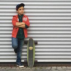 Ready for some fun?#pfuellerkids #jungs #fb #skating #vintage #longboard #rauphlaurenkids #kidslookbook #thehappynow #kidsstyle #ig_fashionkiddies #trendykiddies #livecolorfully #liveauthentic #momtogs #kidsfashion #kidsstylezz #flashesofdelight #photo #photooftheday #foto #instalike #instadaily #kidswear #kidsofinstagram #bambino #kidsootd #kidsblog #kidsstore #frankfurt