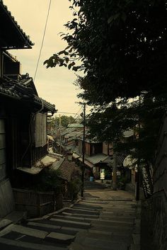 isaykonnichiwa:  higashiyama Kyoto, Japan Preserved historic district around Kiyomizudera