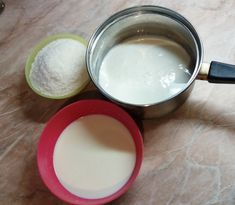 Kókuszkrém tortába Izu, Glass Of Milk, Cake, Food, Kuchen, Essen, Meals, Torte, Cookies