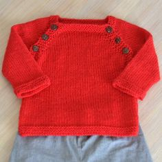 23 Ideas For Crochet Baby Boy Layette For Girls Knitting For Kids, Baby Knitting Patterns, Baby Patterns, Knitting Toys, Baby Couture, Couture Sewing, Tricot Baby, Pull Bebe, Baby Pullover