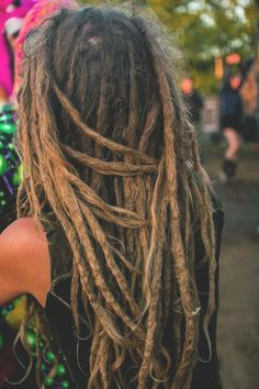 I love the natural look of these dreads. Just keep it simple!
