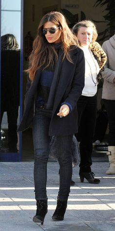 Celebrity Street Styles #Cheap #Ray #Bans, Big Discount Only $14.99, It Is So Cool, Ray Ban Sunglasses Outlet Is Your Best Choice As A Friend Gift. Autumn Street Style, Street Chic, Casual Outfits, Fashion Outfits, Womens Fashion, Fashion Trends, Looks Sara Carbonero, Charlotte Casiraghi, Elle Fanning