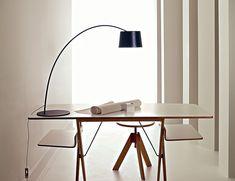 Twiggy table φ180 H550~630mm ¥99,750 foscarini/ルミナベッラ 東京