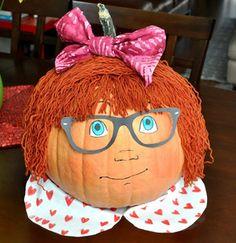 book-character-pumpkins-junie-b-jones - Reading Rewards Pumpkin Decorating Contest, Pumpkin Contest, Decorating Pumpkins, Decorating Ideas, Pumpkin Books, Pumpkin Crafts, Pumpkin Ideas, Pumpkin Designs, Pumpkin Art