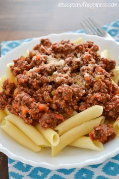 Penne Bolognese... Carrots, onions, celery, and ground beef in a tomato sauce. ¥