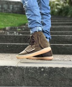 kanye west yeezy 750 boost price camouflage adidas r1