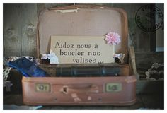 valise vintage comme cagnotte voyage de noce! Wedding Inspiration, Wedding Ideas, Weeding, Wedding Planning, Photo And Video, How To Plan, Instagram, Cool Ideas, Roaring 20s