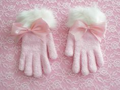 These gloves are soo girly&wintery!♥  These are for Sweet Lolitas, Hime Gyarus, or any girly who loves pink!  They are made from stretchy fuzzy