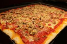 Pizza casera sin lactosa  (atún, champiñones, york y bacon) / Lactose...
