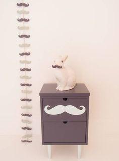 chevet gris avec moustache menthe #bunnyincognito
