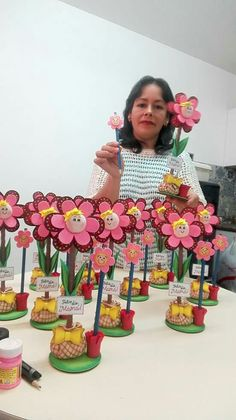 Paper Flower Bouquet Craft for Kids paper flower crafts # Kids Crafts, Crafts For Kids To Make, Foam Crafts, Art For Kids, Arts And Crafts, Paper Crafts, Diy Paper, Valentine Crafts For Kids, Mothers Day Crafts