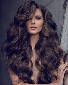 coiffure longue ondulee