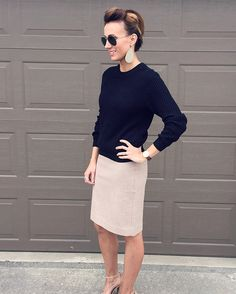 SWEATER- H&M // SKIRT- J Crew Factory // SHOES- Nordstrom // EARRINGS- Nickel & Suede Luxe Linen // WATCH- Daniel Wellington // RING- Amazon // SUNNIES- Ray Ban One of my favorite times of the year is