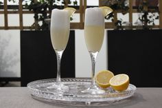 Limoncello Espuma - Italiaanse limoncello cocktail; voor wat extra luxe.