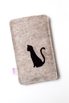 Alibaba express pretty cute offer free sample felt mobile phone sleeve made in china Felt Phone Cases, Felt Case, Cell Phone Covers, Diy Phone Case, Felt Crafts Diy, Felt Diy, Iphone 4, Iphone Cases, Felt Mobile