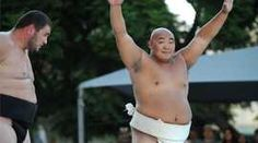 Sumo shines in the US - BBC News