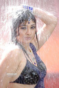 Kiran Rathod Hot, Wet & Spicy Pictures In Saree