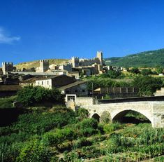By Jiahui Gan: Montblanc, un pueblo épico. Muchas gracias! #montblancmedieval #Tarragona #Montblanc #Catalunya #Cataluña #Catalonia #Catalogne #turisme #tourisme #turismo #tourism #trip #travel #viatjar #viatge #viajar #viaje #RTW #TravelAddict #vacances #vacaciones #holidays #slowlife #panoramicsview #panoràmiques #coins #Natura #Nature