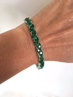 http://rubies.work/0417-sapphire-ring/ Vintage Emerald Green Stone Estate Bracelet by WOWTHATSBEAUTIFUL