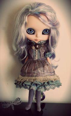 Blythe Victorian Dress Set.