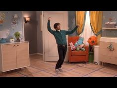Howard Wolowitz and the Squeaky Floor Conundrum | THE BIG BANG THEORY - YouTube