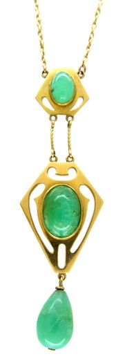 Murrle Bennett 15ct Gold & Jade Necklace - Art Nouveau (1890-1915).  A well designed necklace which was retailed by Murrle Bennett in their Regent Street shop. Normally necklaces and pendants were set with turquoise so this example is more unusual because jade has been used.