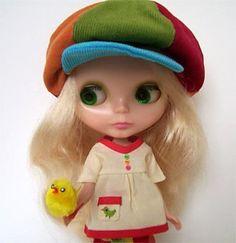 Blythe peaked cap & applique shirt