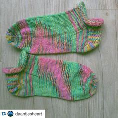#Repost @daantjesheart with @repostapp.  These Rose City Rollers are leaving the building today! Pattern by Mara Catherine Bryner was much fun to make these ankle socks. Yarn by @devonsunyarns 75% #superwash #merino and 25% #nylon.  Hope you all have a lovely day today! XXXD  #knitting #craftastherapy #craft #handcraft #handmade #handwerk #breien #breiwerk #stricken #anklesocks #rosecityrollers #colours #kleurig #sokken #knittinglove #knitter #knittingproject #breiproject #knittingtherapy
